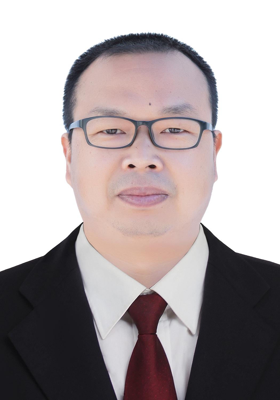 梁河县第一中学教务处工作人员:李方永