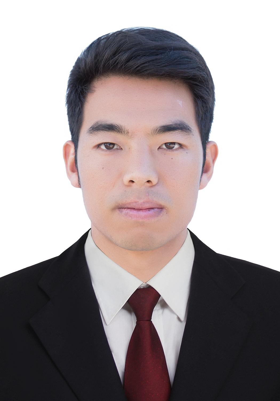 梁河县第一中学德育处工作人员:尹加坤