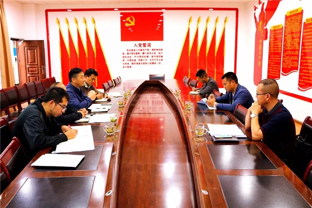 县政府调研指导梁河一中高三复习备考工作