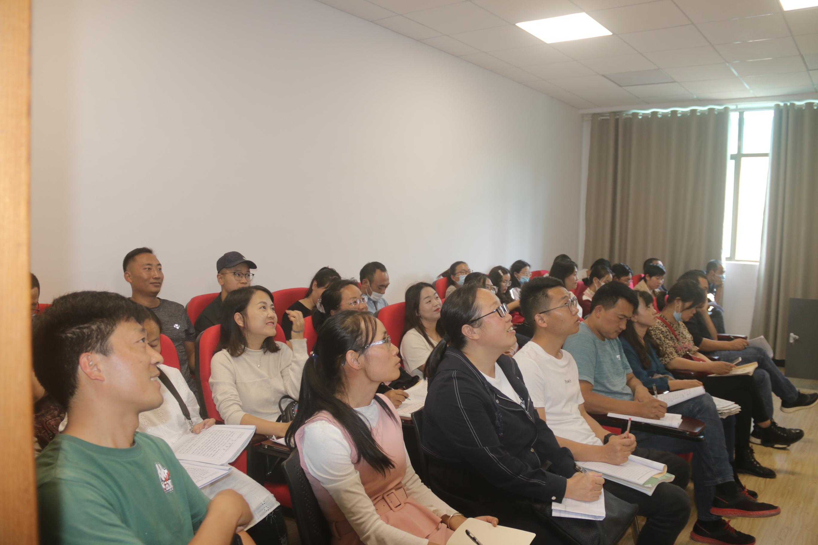 云南省教育厅召开全省普通高中新课程新教材视频会议