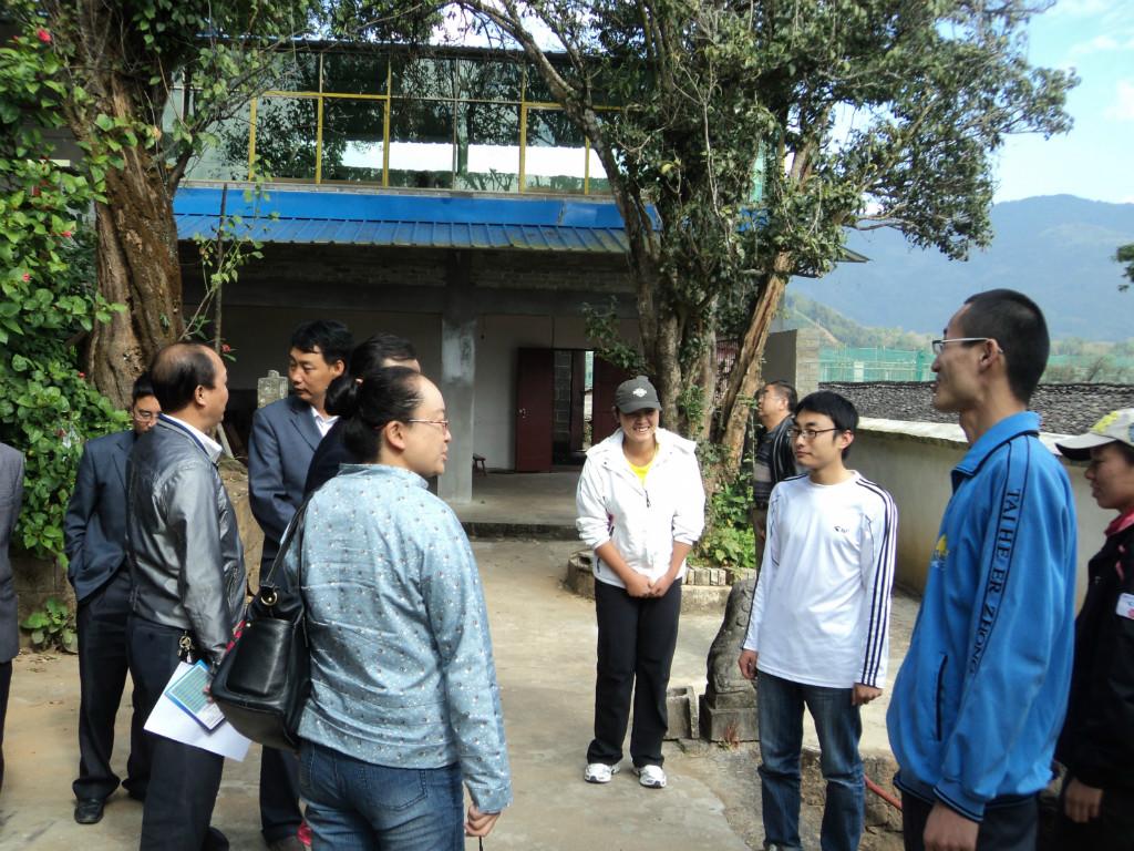 云南师范大学教师到我校看望顶岗教师