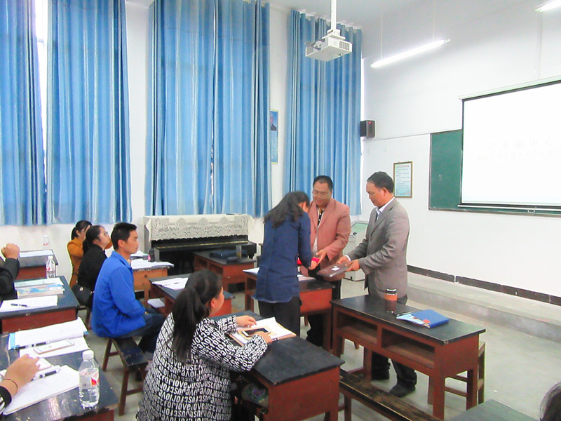 芒东镇中心学校数学名师工作室活动