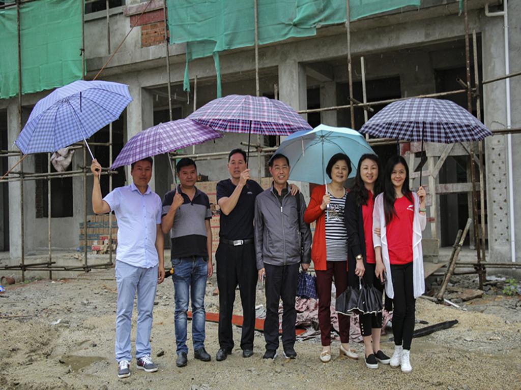 约上朋友助学去公益团队回访梁河县芒东镇户那小学