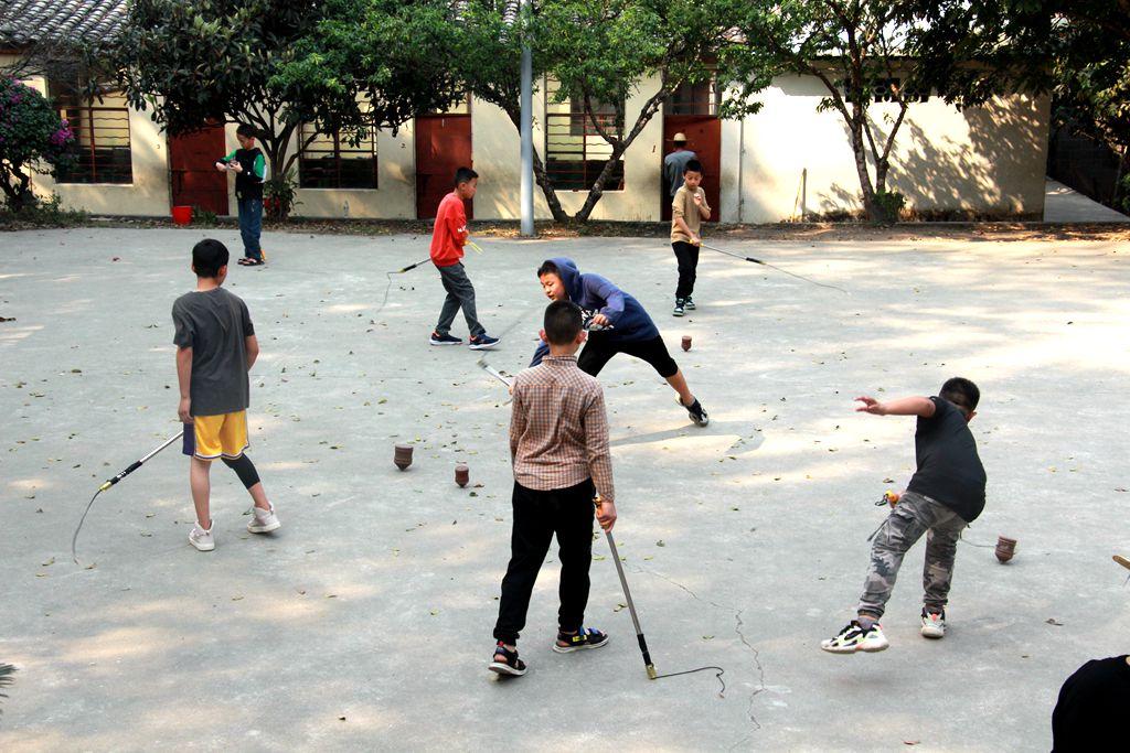 中心陀螺实践与生活体验活动走进青少年学生生活实践基地(三)
