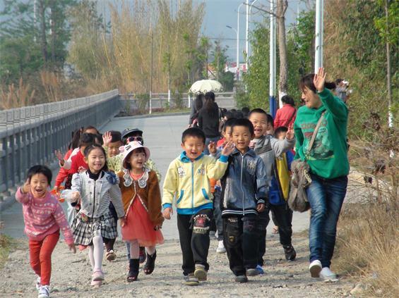 梁河县教育系统2014年第30个教师节书画摄影获奖作品